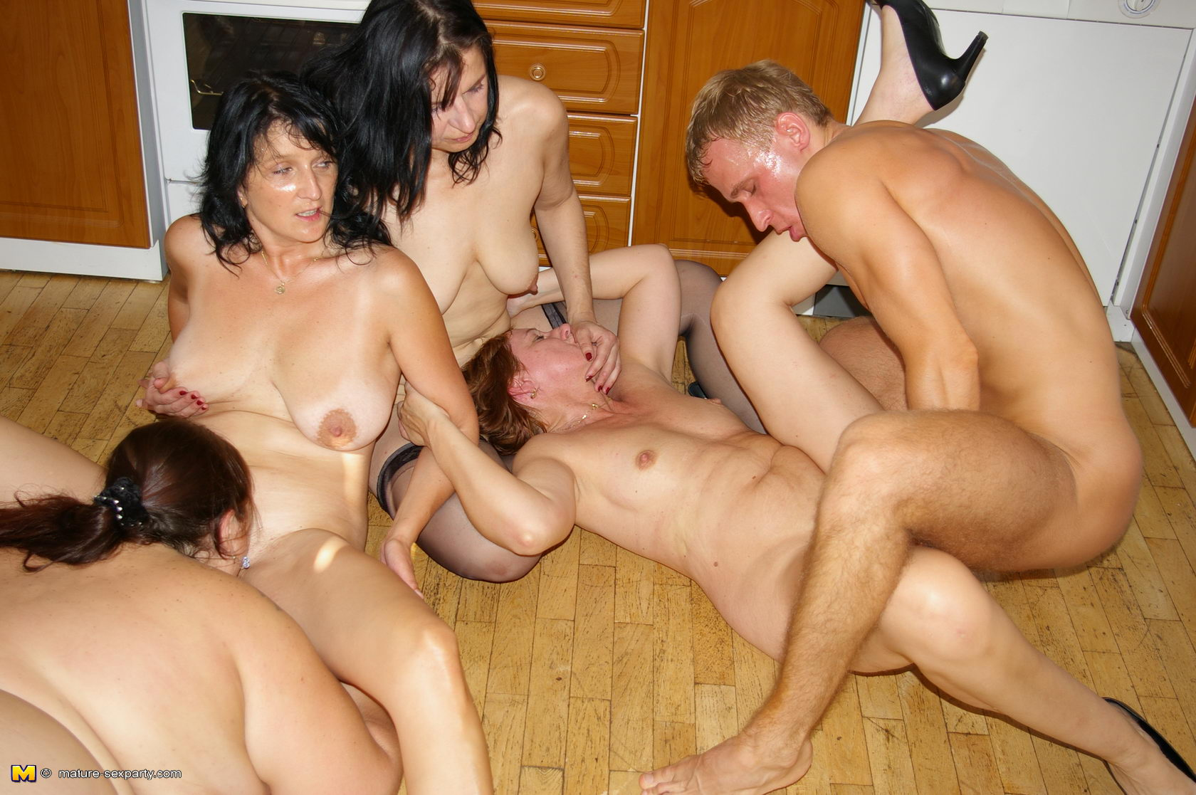 Plump mom orgy