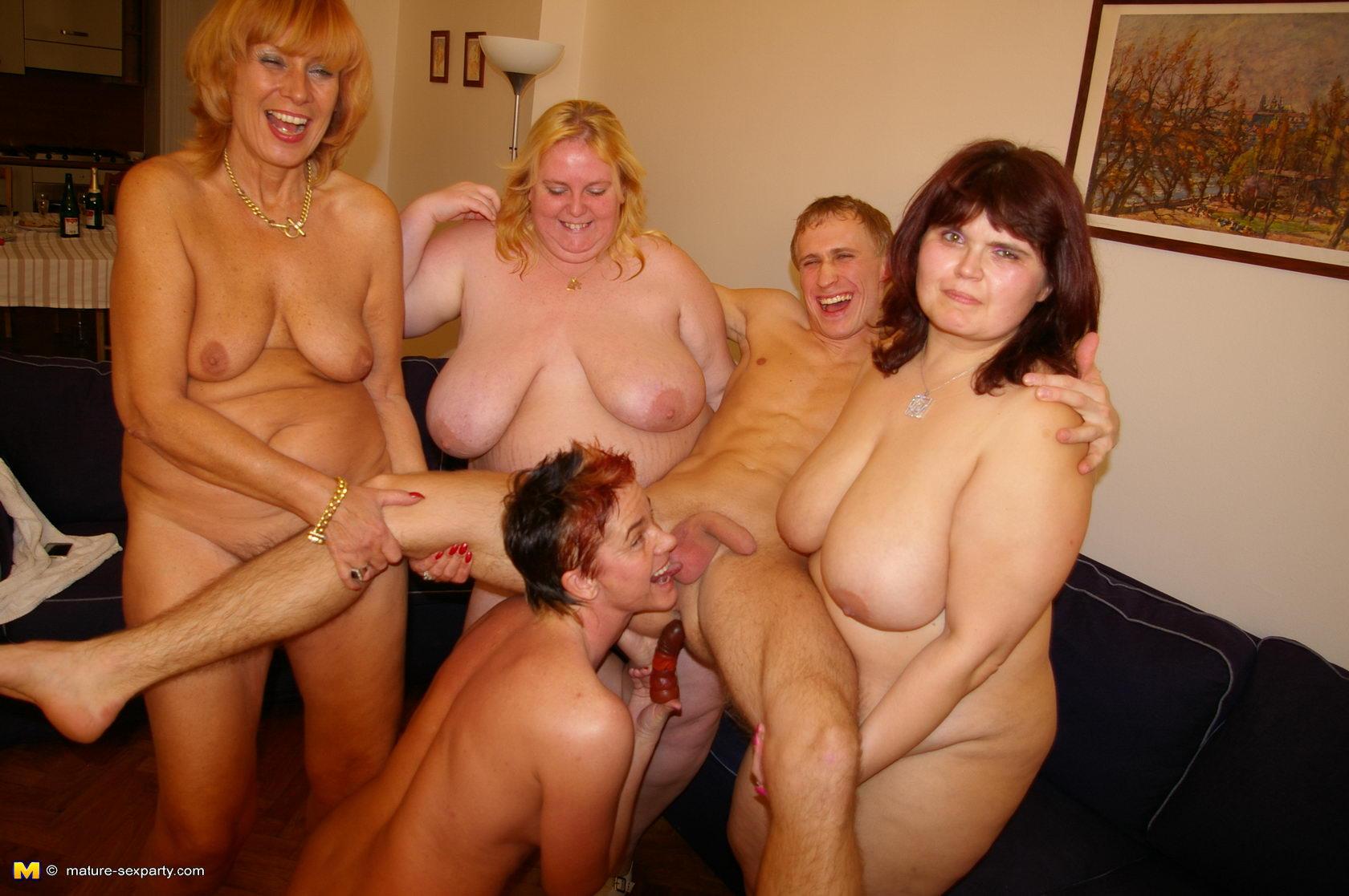 Секс с пышной сестрой 24 фотография
