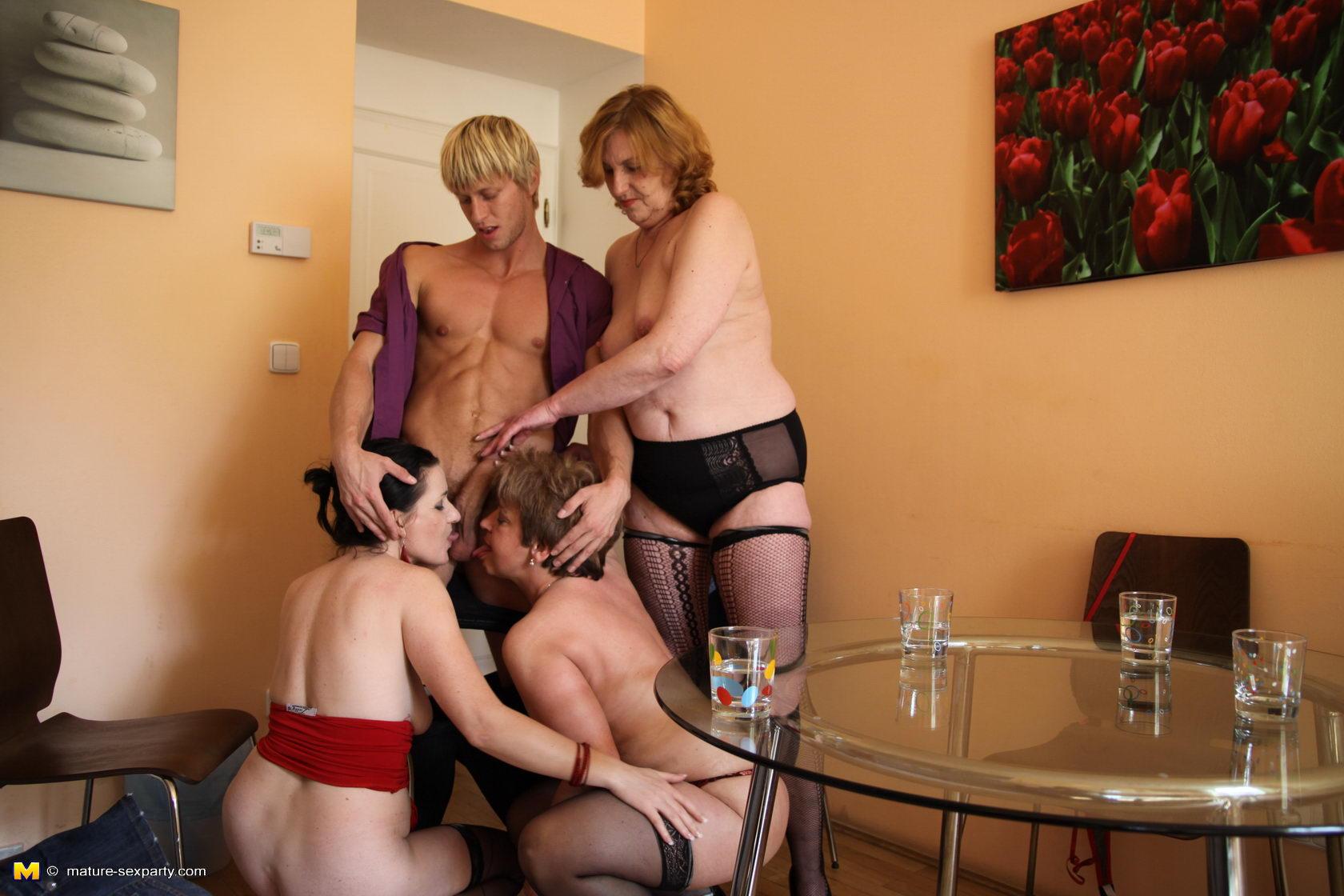 Ретро порно русских зрелых женщин 13 фотография