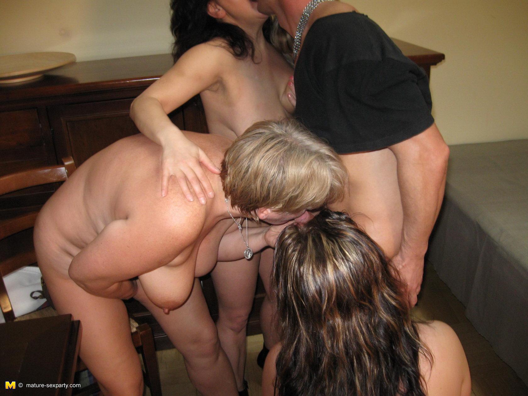 Секс вечеринка взрослых 15 фотография