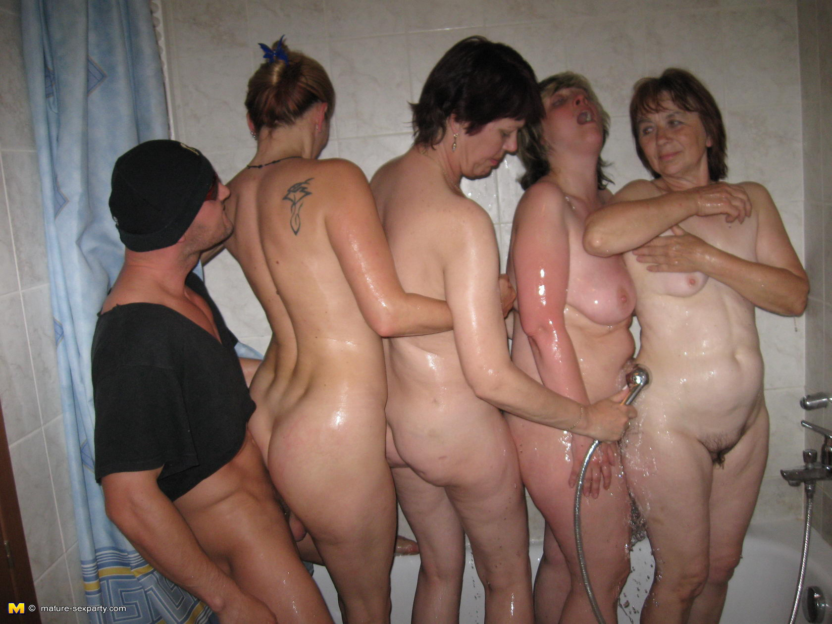 sex parties women nude