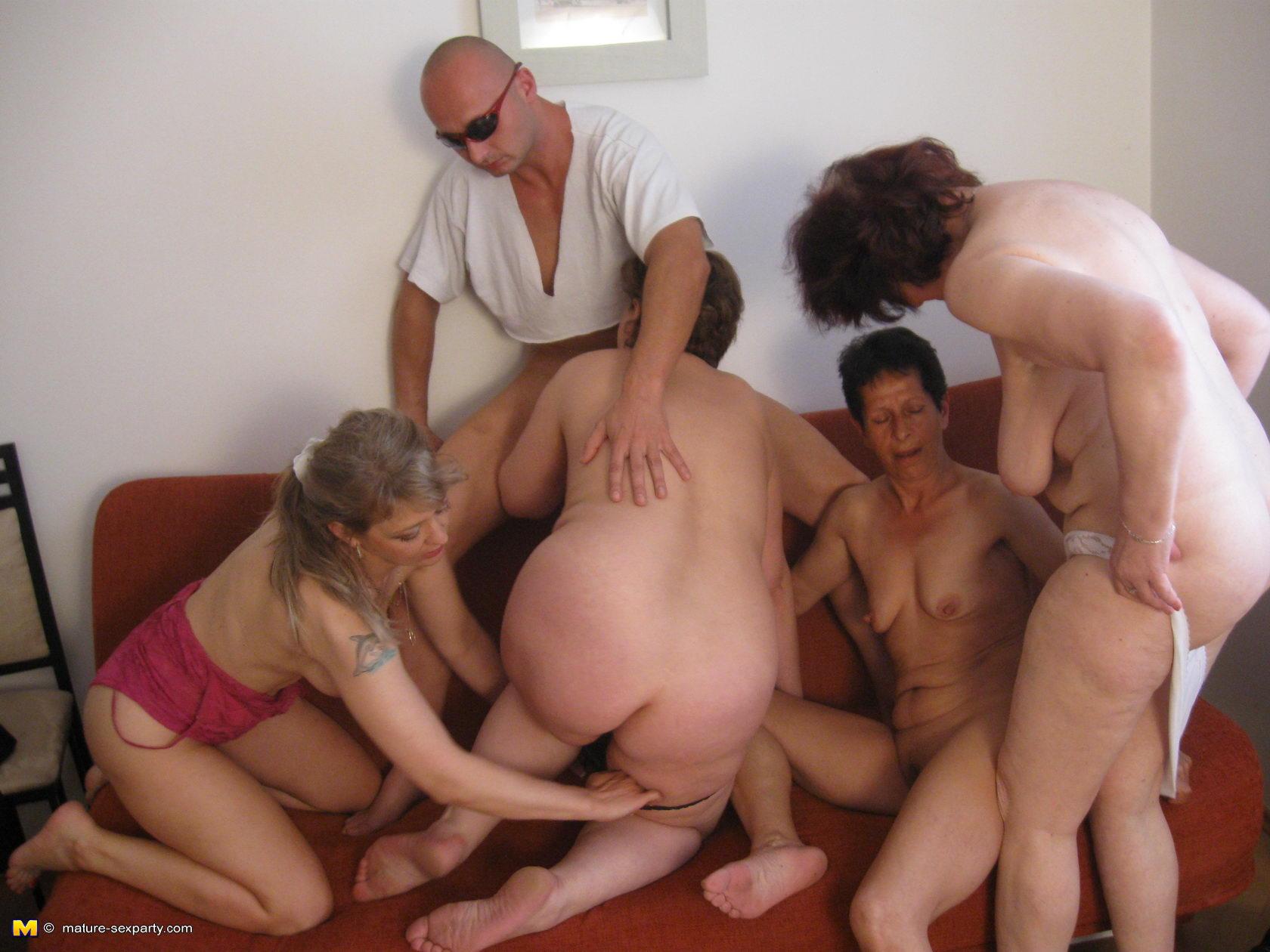 Пьяные русские старухи в порно 26 фотография